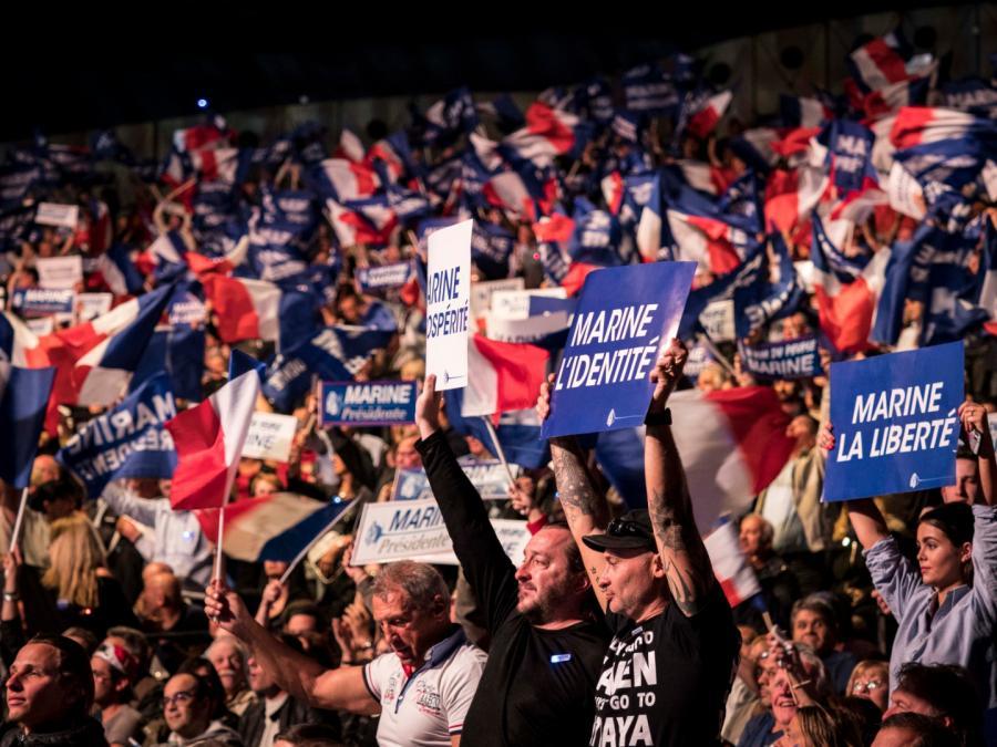 Wiec wyborczy we Francji