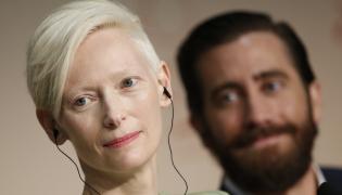 """Tilda Swinton i Jake Gyllenhaal na konferencji prasowej do filmu """"Okja"""" w Cannes"""