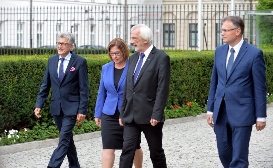 Przedstawiciele PiS po wyjściu z Pałacu Prezydenckiego