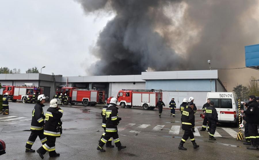 Pożar na terenie składowiska odpadów w Kluczach