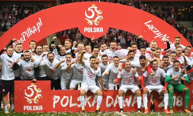 10 mln zł - tyle podzielą między siebie polscy piłkarze za awans na mundial. Zobacz kto, ile dostanie z tej kwoty