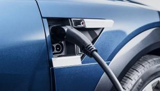 Eksperci: Potrzebne zmiany w projekcie ustawy o rozwoju elektromobilności