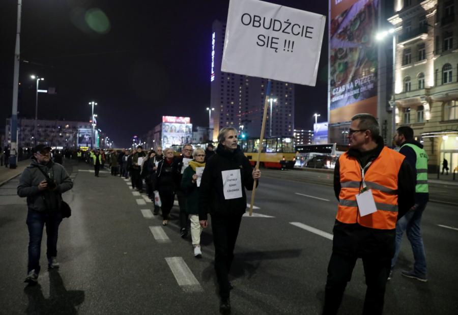 Uczestnicy marszu milczenia
