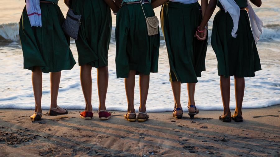 Każdego dnia około dwustu dziewcząt i kobiet w Indiach zaczyna się prostytuować