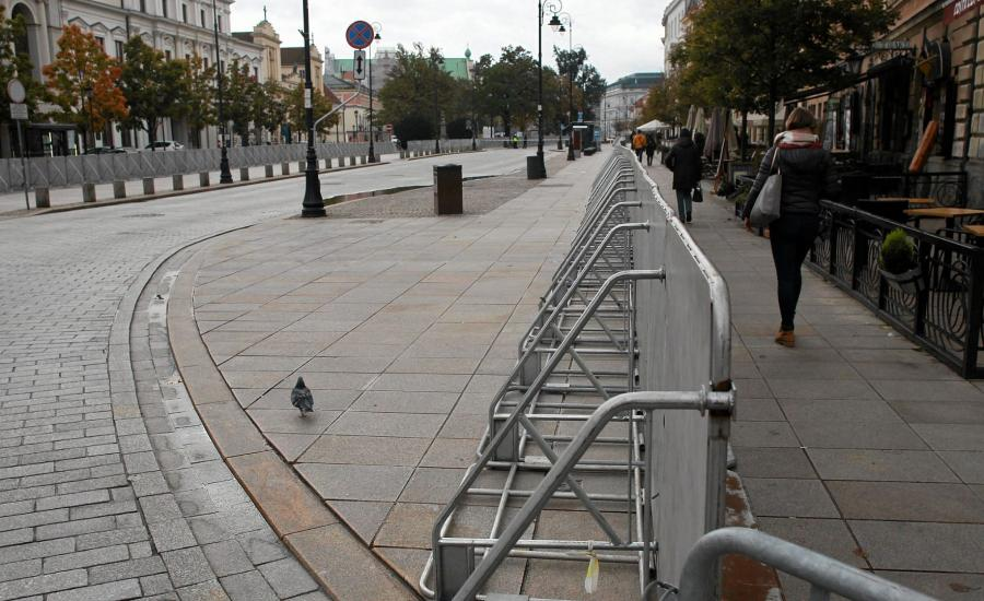 Krakowskie Przedmieście w dniu miesięcznicy smoleńskiej