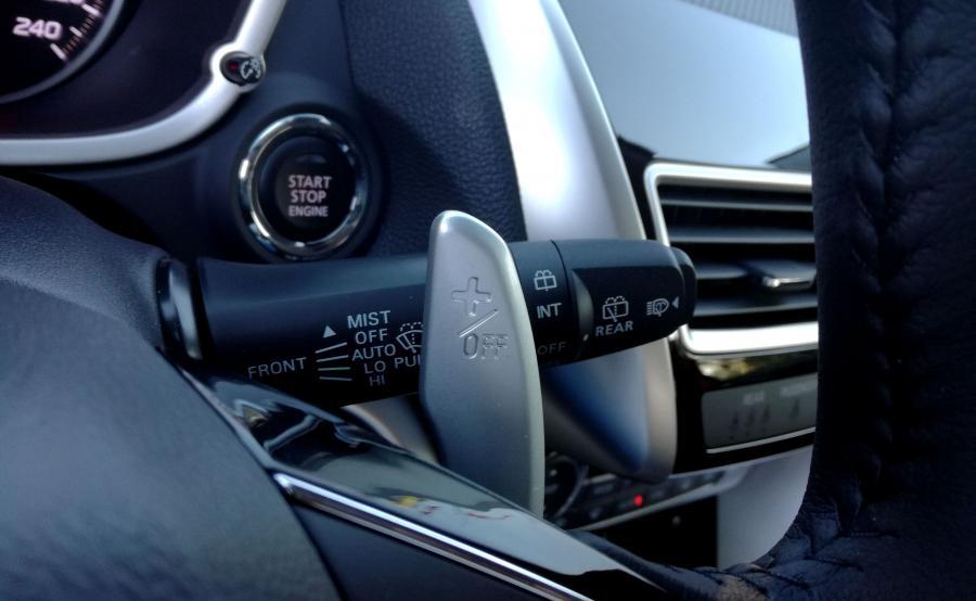 Mitsubishi Eclipse Cross nawiązuje do sportowych tradycji marki. Łopatki jak w Lancerze Evo X