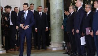 Premier Mateusz Morawiecki  przemawia po wręczeniu nominacji nowym członkom rządu.