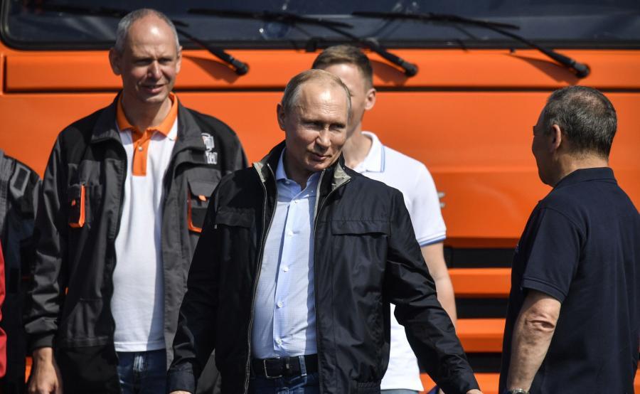 Rosja uruchomiła most na zaanektowany Krym