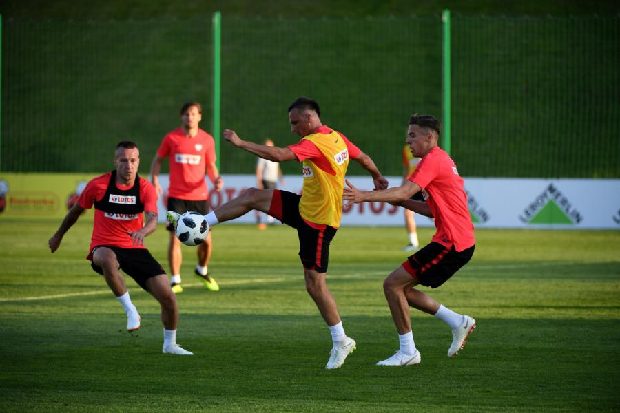 Jacek Góralski, Sławomir Peszko i Jan Bednarek podczas treningu kadry w Arłamowie