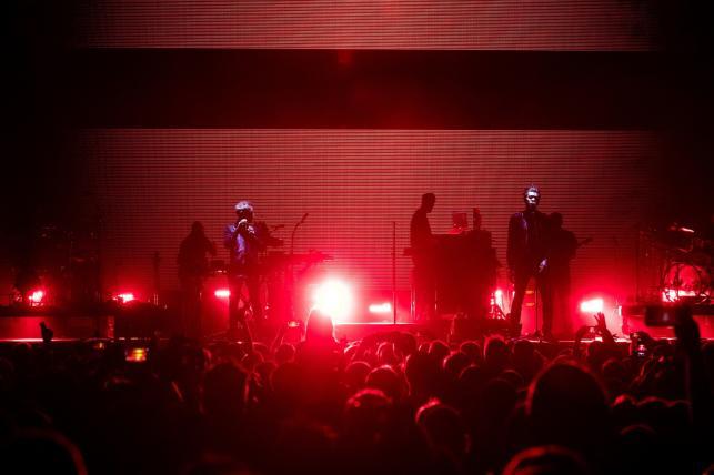 Rok 2018 będzie dla Massive Attack czasem ważnych jubileuszy. Przede wszystkim zespół założony w Bristolu przez 3D, Daddy G i Mushrooma będzie świętować trzydziestolecie obecności na scenie muzycznej.