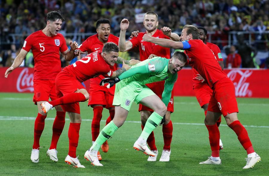 28cb989a4 Piłkarz reprezentacji Anglii Fabian Delph nie grał we wtorek w meczu z  Kolumbią (1:1, karne 4-3) w 1/8 finału mistrzostw świata. Zamiast na boisku  w Moskwie ...
