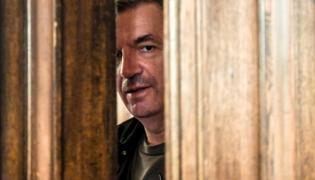 """Władysław Pasikowski na planie filmu """"Kurier"""""""