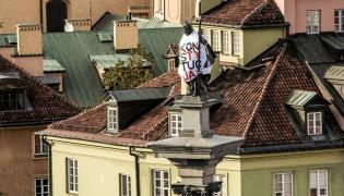 """Figura Zygmunta III Wazy w koszulce """"Konstytucja"""""""