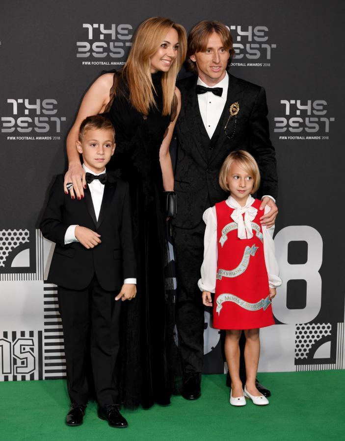 Luka Modric z żoną i dziećmi