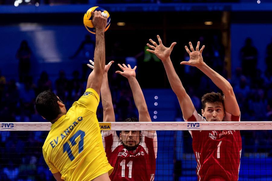 Polacy Fabian Drzyzga (C) i Piotr Nowakowski (P) oraz Evandro Guerra (L) z Brazylii