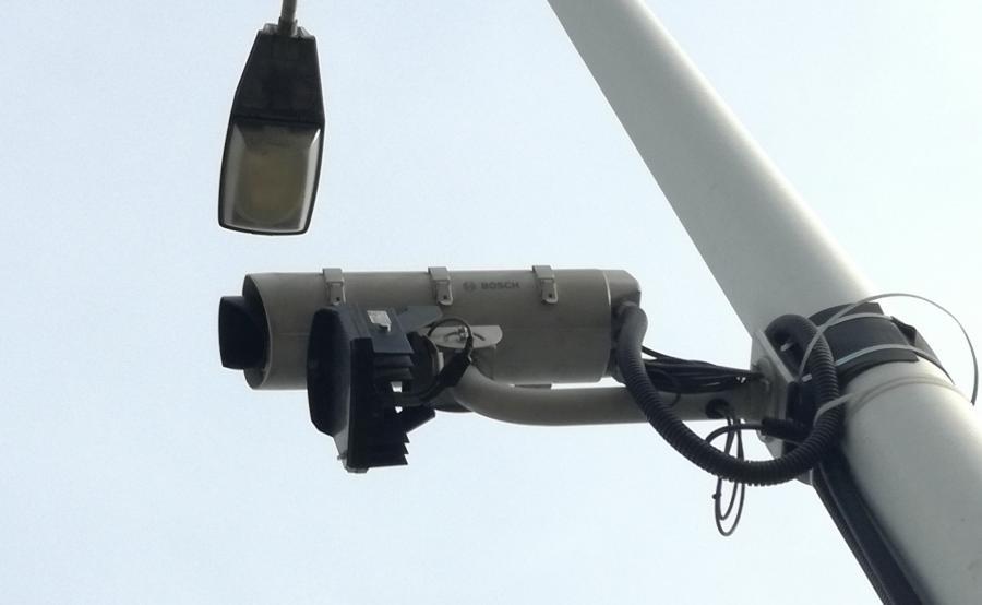 Kamera jest skierowana w stronę wyjazdu z Warszawy