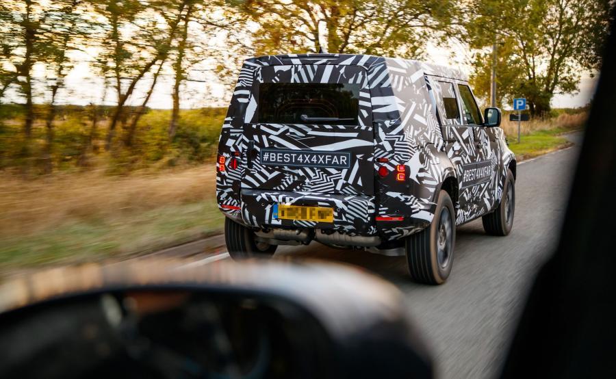 Land Rover Defender nowej generacji zadebiutuje w 2019 roku