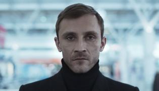 """Kamil Nożyński w serialu """"Ślepnąc od świateł"""""""