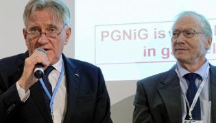 Piotr Woźniak, prezes PGNiG (z lewej)