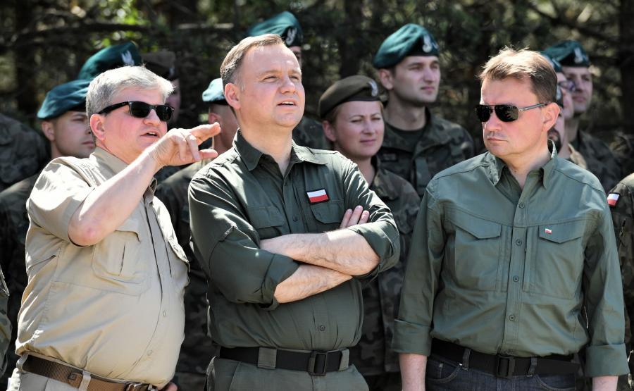 Prezydent, zwierzchnik Sił Zbrojnych RP Andrzej Duda (2L), szef BBN Paweł Soloch (L) oraz minister obrony narodowej Mariusz Błaszczak (P)