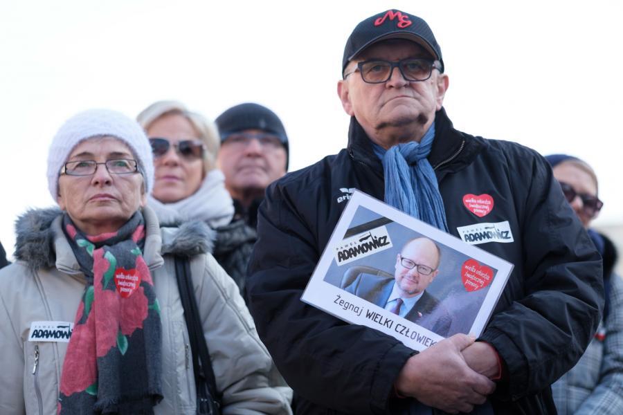 Mieszkańcy Poznania żegnają prezydenta Adamowicza