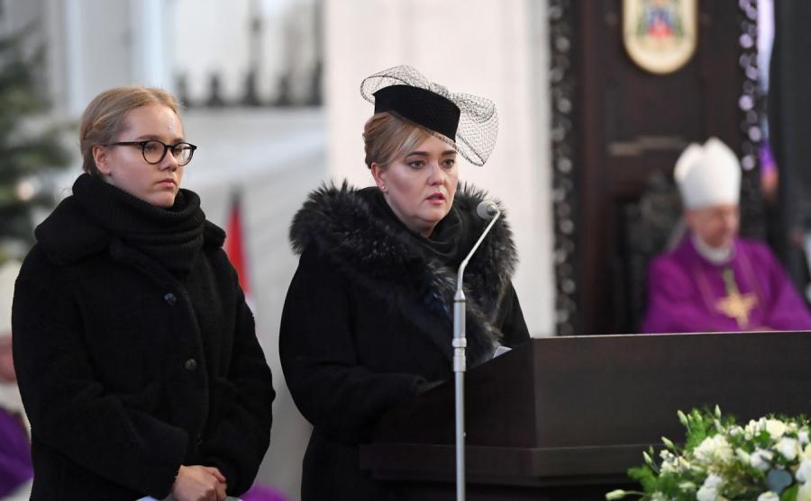Córka i żona zmarłego Pawła Adamowicza