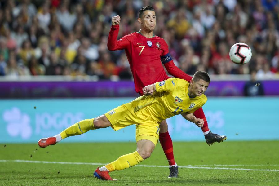 Cristiano Ronaldo i Vitaliy Mykolenko