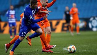 Piłkarz Wisły Płock Justinas Marazas (L) i Sasa Balić (P) z KGHM Zagłębie Lubin podczas meczu Ekstraklasy