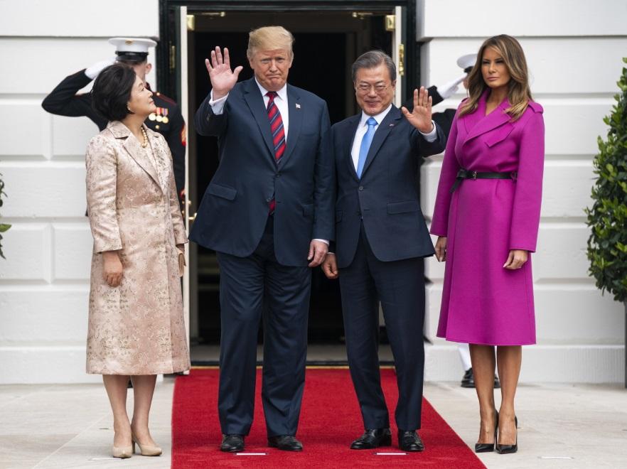 Kim Jung-sook, Donald Trump, Moon Jae-in i Melania Trump