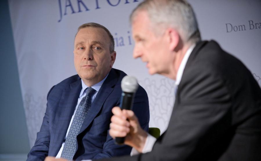 Grzegorz Schetyna i Timothy Snyder podczas debaty \