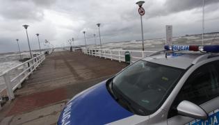 Policja na molo w Brzeźnie