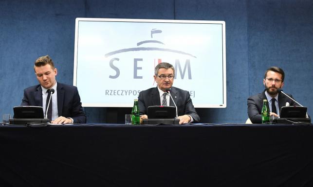 Marek Kuchciński, Andrzej Grzegrzółka, Radosław Fogiel