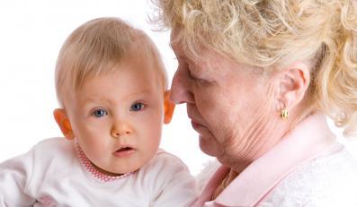 Teściowa chce pensji za opiekę nad wnukiem