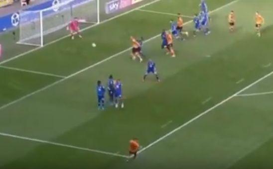 Kamil Grosicki strzela gola dla Hull City