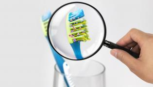Bakterie na szczoteczce do zębów