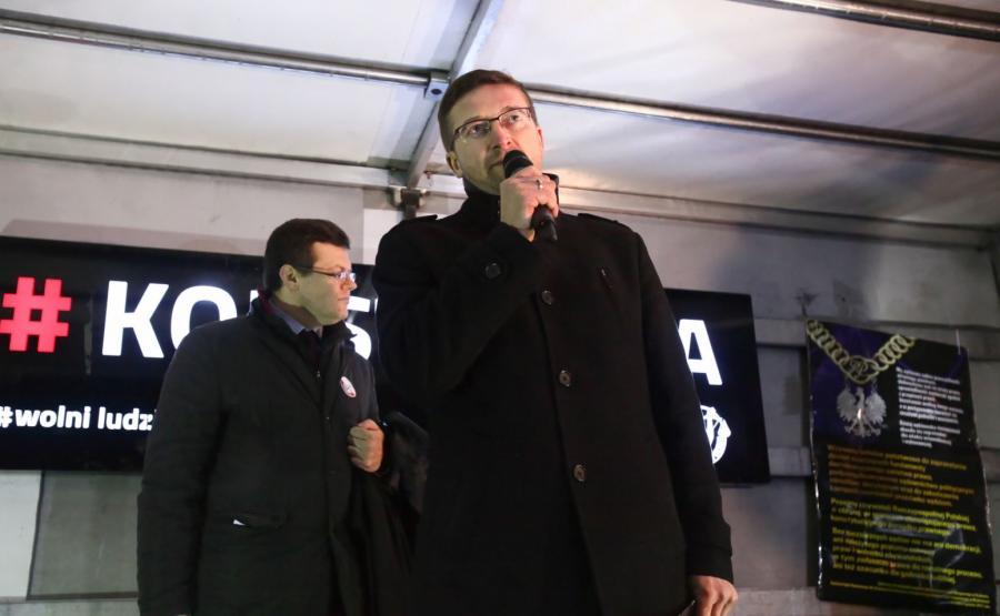 Paweł Juszczyszyn (z prawej)