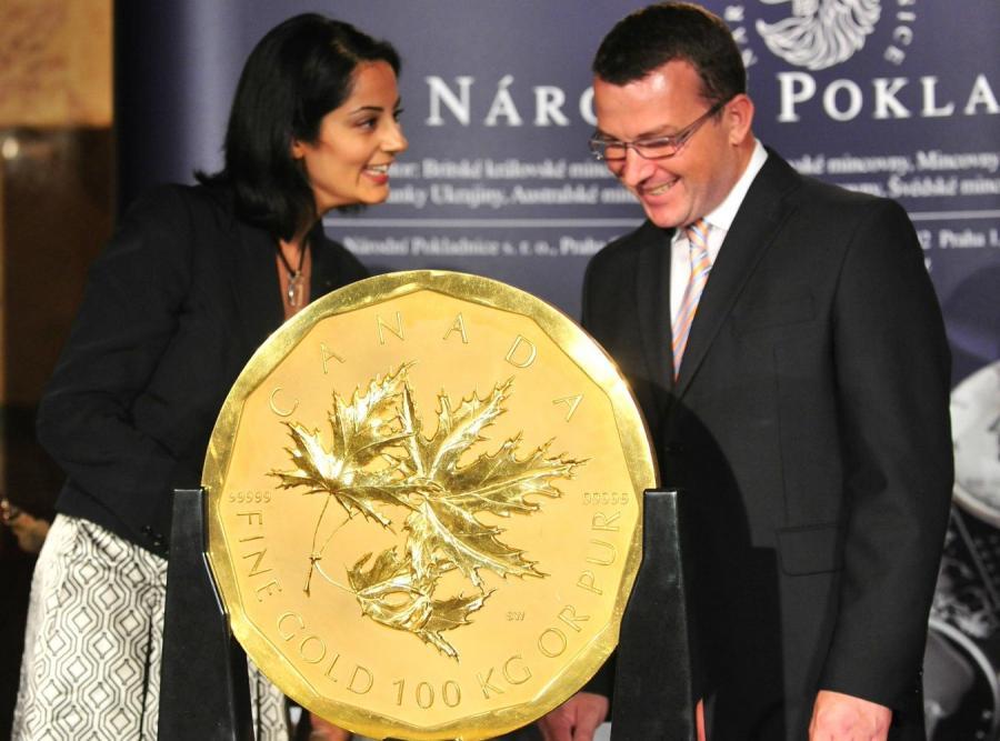 Największa złota moneta trafi na aukcję