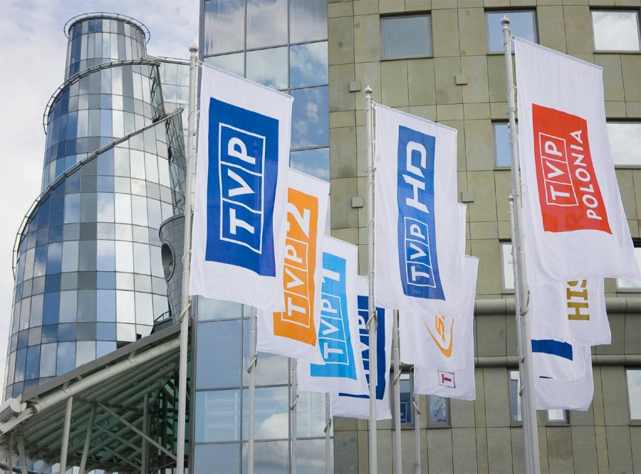 Mundial ratuje finanse, ale co z TVP