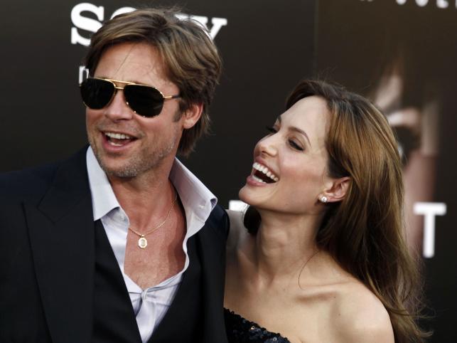Angelina Jolie i Brad Pitt. Najsłynniejsza bodaj hollywoodzka para, która żyje na kocią łapę. Wiedzą, co robią – oboje mają rozwód na koncie.