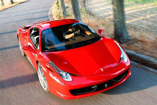 Luksusowe auta mafiosów wystawione na sprzedaż