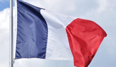 We Francji napad na policjanta gorszy niż poligamia