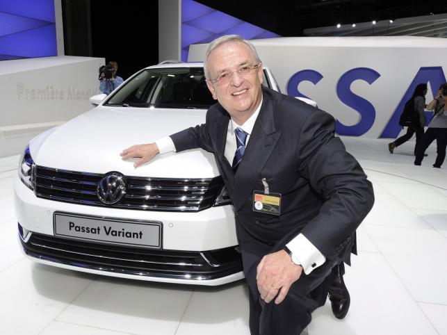 Szef Volkswagena Martin Winterkorn prezentuje nowy model VW Passata