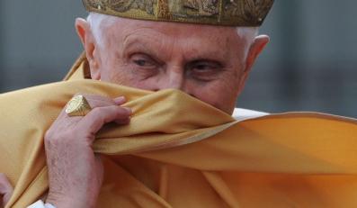 """Petarda na cześć Papieża? """"Bomba Raztzingera"""""""