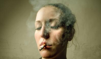Palenie papierosów wyniszcza organizm