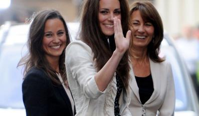 Kate Middleton z mamą Carol i siostrą Pippą