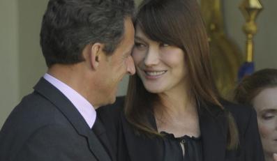 """Czy Carla Bruni jest w ciąży? """"Mam zasznurowane usta"""""""