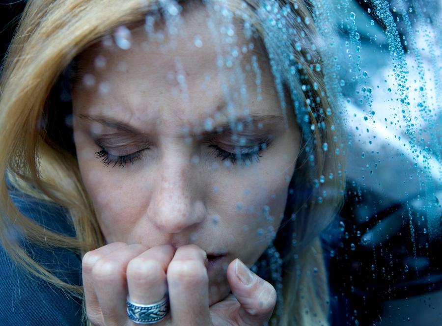 Nisko poziom oksytocyny pod koniec ciąży może być przyczyną depresji poporodowej