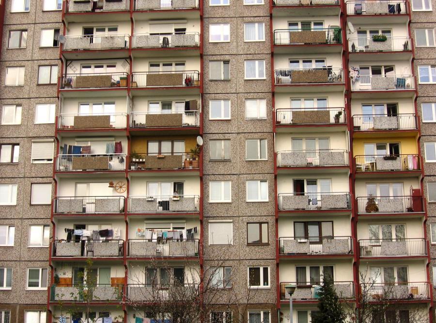 Jakie mieszkanie pod wynajem? Nowe lub w bloku z wielkiej płyty