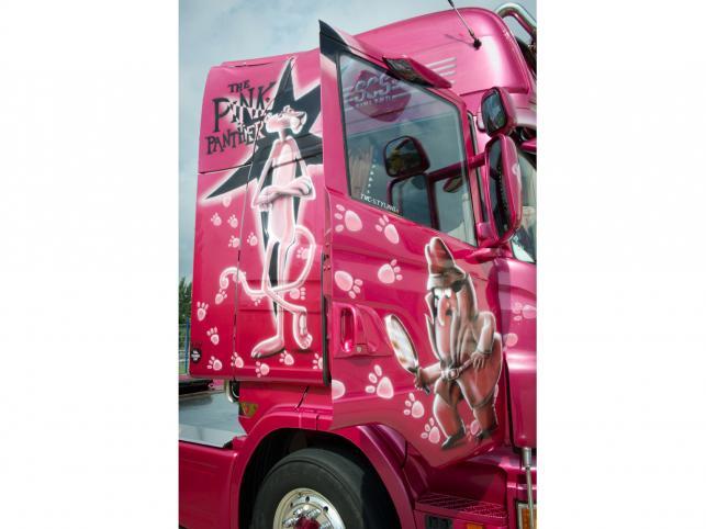 Pojazdy z Finlandii i Szwecji - pomalowane, bogato wyposażone pojazdy mistrzów europejskiego tuningu ciężarowego
