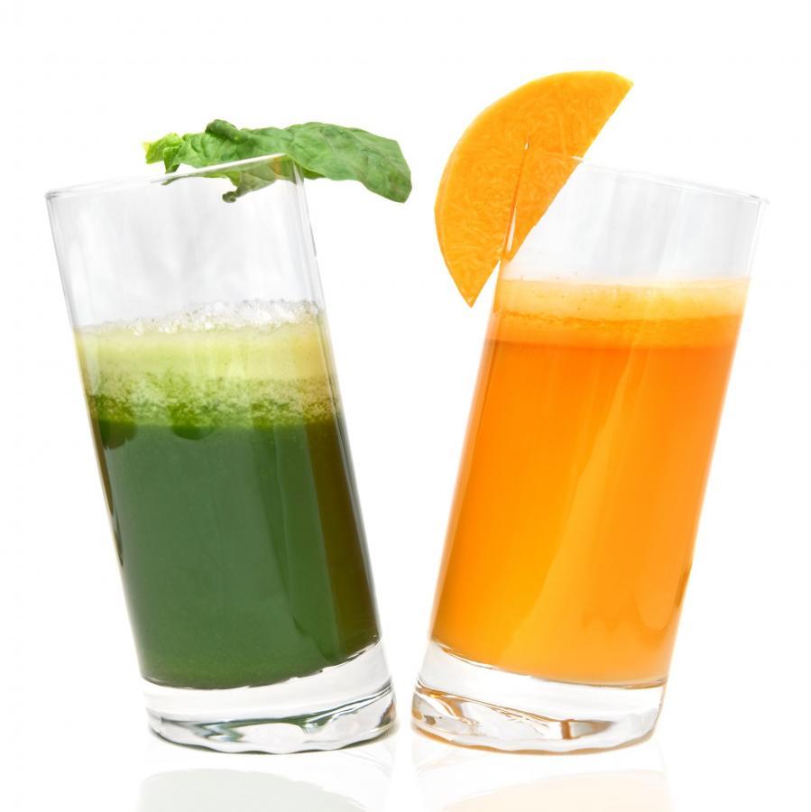 Nietypowe połączenie pomarańczy i pietruszki daje niezwyergetyczny napój